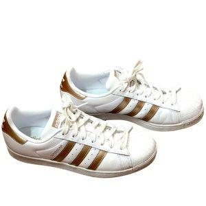 Like new Adidas Superstar white gold lace sneaker